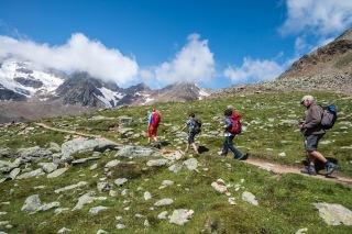 Deutschland Österreich Italien Alpenüberquerung E 5 von Oberstdorf nach Meran 5.Tag Nachmittags vom Tiefenbachferner Panoramaweg hinab nach Vent im Ötztal